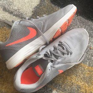 Women Nike's (Size 11)